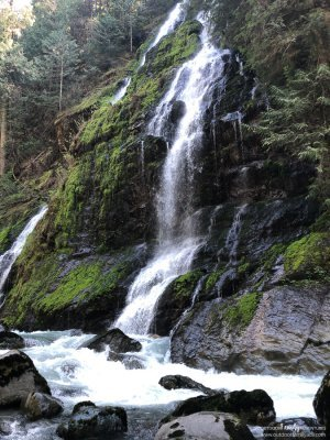 Feature Show Falls Boulder River 50 Outdoor Family