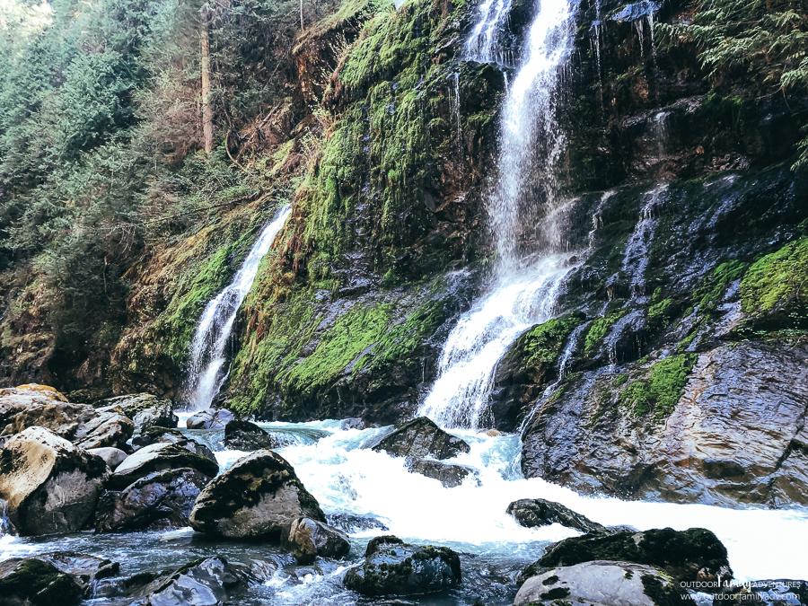 Feature-Show-Falls-Boulder-River-53